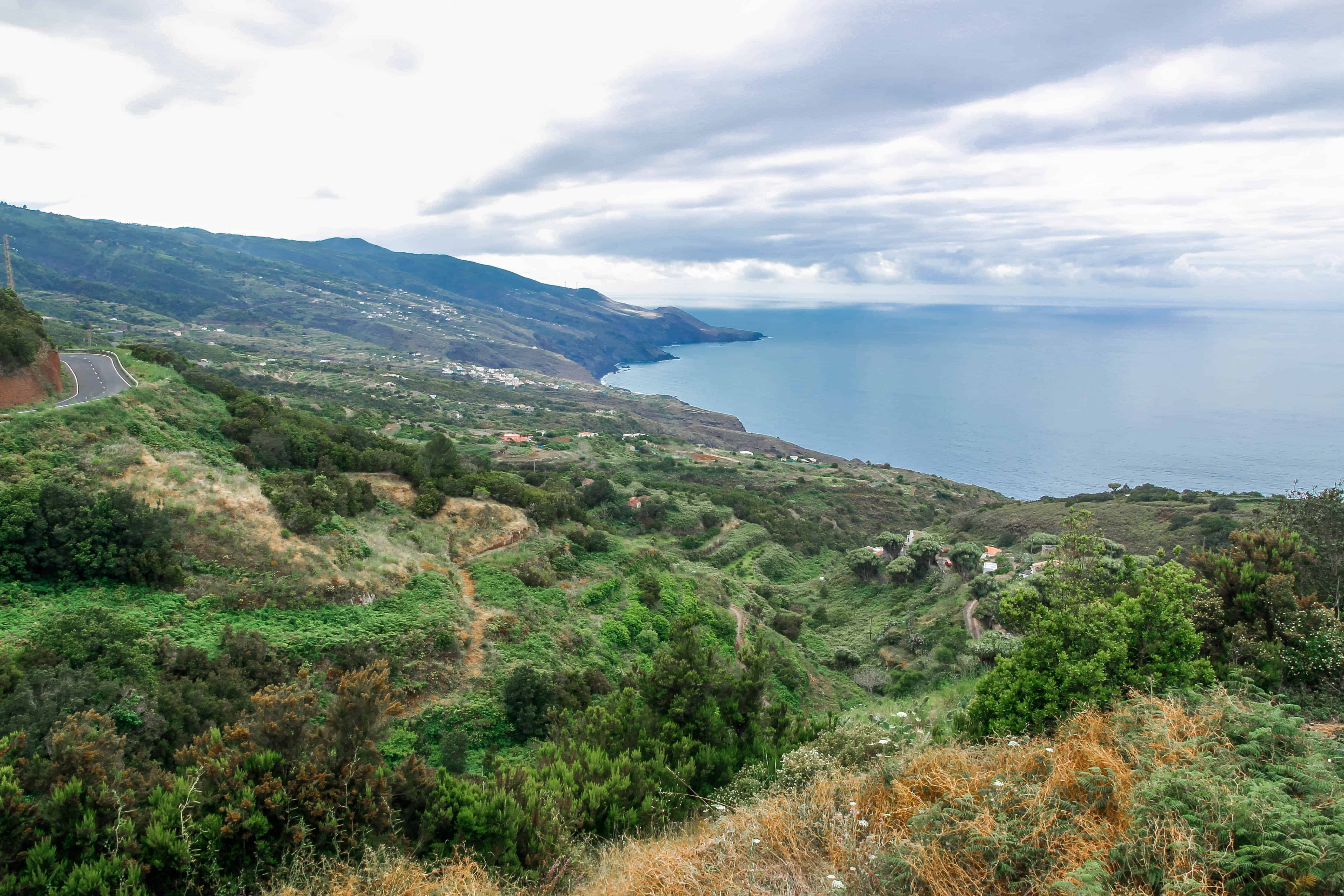 Green North of La Palma. Ocean view. La Palma - The Hidden Gem of the Canary Islands, article by Kiss My Backpack at https://www.kissmybackpack.com/